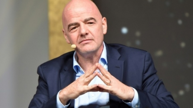Coronavirus: la Fifa recommande des accords salariaux et des contrats prolongés