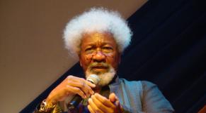Nigeria le prix nobel wole soyinka au centre d'une vive polémique à cause de Trump