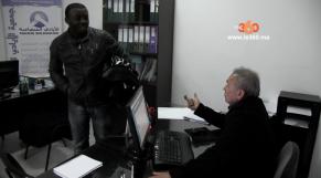 "Cover Video - بالفيديو: هكذا تشتغل جمعية ""الايادي المتضامنة""مع المهاجرين الافارقة بغابات بليونش"