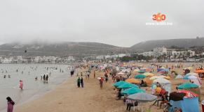 Cover Video -Le360.ma • هذه هي أسباب اختيار المغاربة لشاطئ أكادير للإصطياف وهذه هي مطالبهم