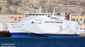 navire bateau queen nefertiti