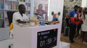 Nigeria: Cinq jours de lecture non-stop pour battre le record du monde