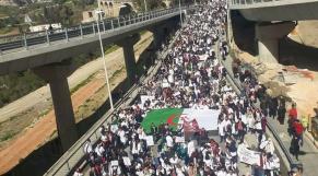 Vidéo. Algérie: les médecins en grève, la matraque est de garde