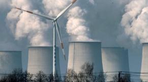 Eolienne et centrale à charbon Allemagne