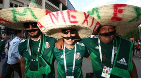 Mexique supporters sombreros