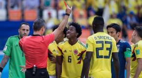 Colombie foot menaces de mort carton rouge