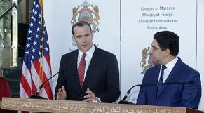 Brett H. McGurk, envoyé spécial du président américain, Donald Trump, et Nasser Bourita, ministre des Affaires étrangères et de la coopération internationale