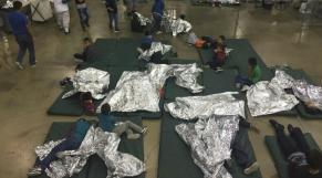Enfants de migrants clandestins, séparés de leurs parents