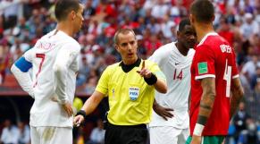 La FIFA critique le Maroc et défend l'arbitre américain