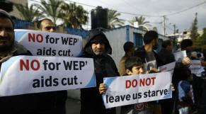 Des Palestiniens manifestent