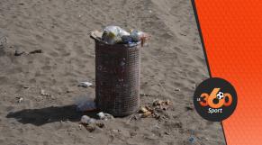 cover vidéo:Le360.ma •مصطافون يشتكون من تراكم الأزبال بشاطئ عين ذياب