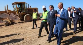 Aziz Akhannouch, ministre de l'Agriculture, et Farid Chourak, gouverneur de la province d'Al Hoceima