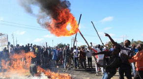 Zimbabwe: L'armée tire sur la foule d'opposants et fait un mort