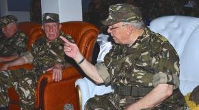 """Algérie. Réactions après le discours de Gaïd Salah: le """"général-président"""" se confirme"""
