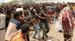 Yémen: des centaines de migrants africains parqués dans un stade