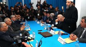 Algérie: l'opposition initie un dialogue national et coupe l'herbe sous le pied de Gaïd Salah