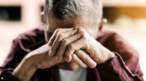 personnes âgées violence