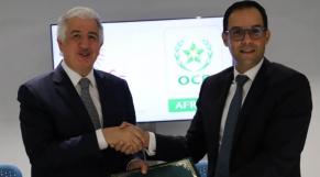 Hani Salem Sonbol, directeur général de l'ITFC, et Karim Lotfi Senhadji, directeur général d'OCP Africa.