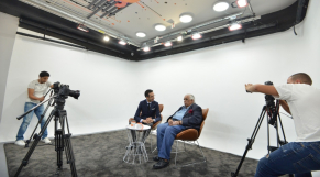 Cover_Vidéo: Le360.ma • Avec Youssef Jajili-مع يوسف ججيلي Ep6 : حسين طلال - Hossein Tallal