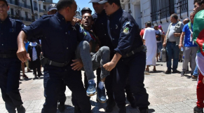Algérie. Présidentielle: des dizaines d'arrestations sur tout le territoire effectuées mardi