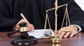 juge avocat pot-de-vin
