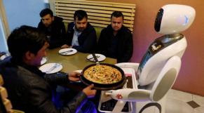 Robot serveuse Kaboul
