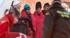 Des migrants algériens accueillis en Espagne
