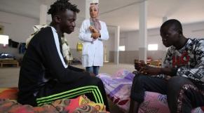 Tunisie: la justice ordonne la libération des migrants détenus illégalement