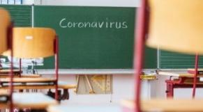 Fermeture des écoles: les parents en colère