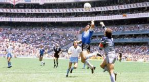 La main de dieu de Maradona