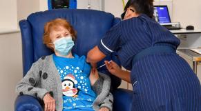 Margaret Keenan - Royaume-Uni - Vaccin - Pfizer