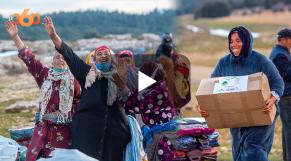 Cover_Vidéo: Vague de froid: une caravane d'aide conduite par des jeunes s'arrête à Azrou