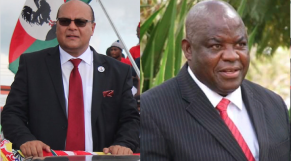 Sidik Mia, ministre des Transports, et Lingson Belekanyama, ministre des Administrations locales.