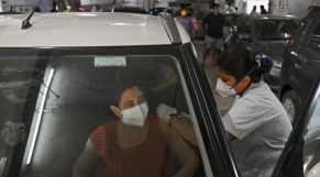 Inde - Vaccination - Drive-in - Bombay