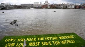 Londres - Tamise - Banderole - Ecologie - Climat - COP26