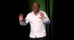 Cover Vidéo... Saïd Naciri imite Benkirane au Festival du rire de Dakhla (Al houkouma show)