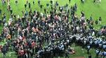 Supporters de Lille envahissent terrain