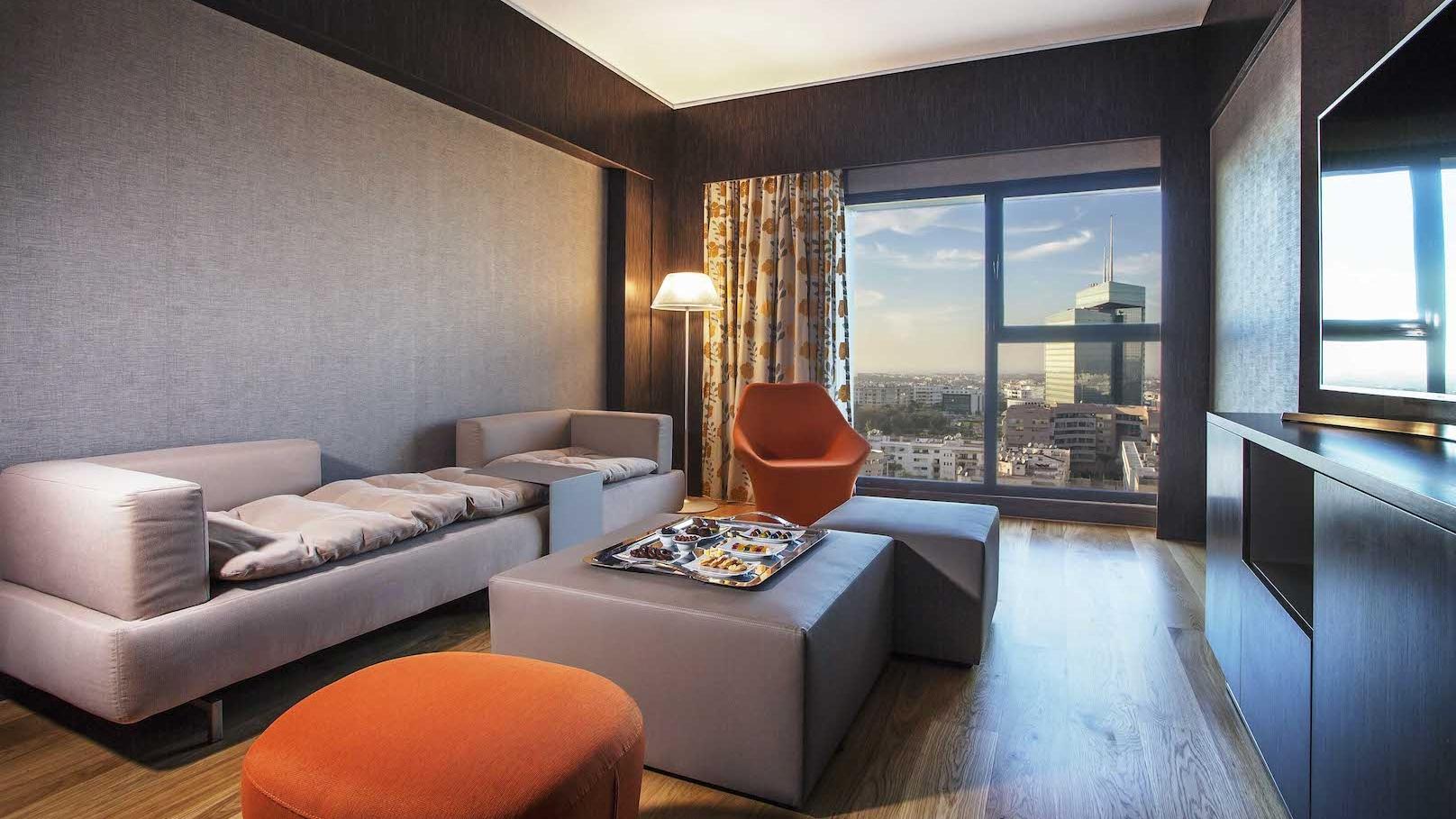 The view hotel un nouveau cinq toiles qui ouvre ses for Mobilia hay riad rabat