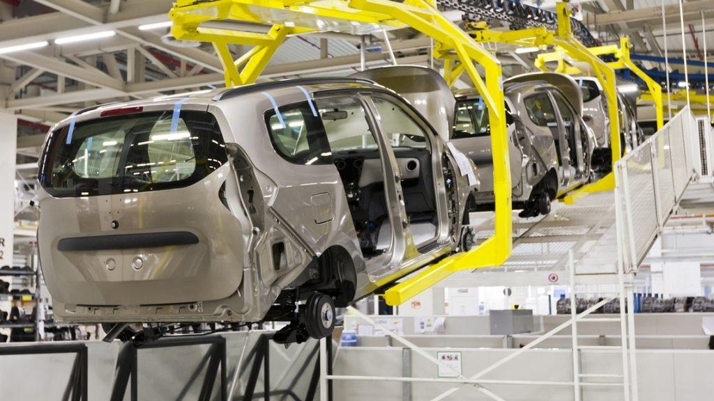 Affecté par la pénurie mondiale de semi-conducteurs, Renault suspend provisoirement sa production à Tanger - Le360.ma