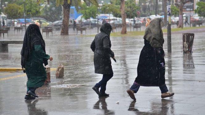 Météo. Pluies, averses orageuses et chutes de neige, ce dimanche au Maroc - Le360.ma thumbnail