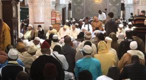 "Ramadan. Laylat al Qadr: les Tijanes sénégalais affluent vers Fès pour ""la ziara"""