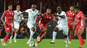 Le derby Raja-Wydad se poursuit à distance.
