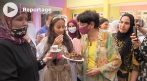 Cover Vidéo -  مراكش تحتفل بأمينة الزروالي، صاحبة أعلى معدل في امتحانات البكالوريا بالمغرب
