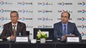 De g à d: Ahmed Rahhou, PDG sortant et Lotfi Sekkat, nouveau PDG du CIH