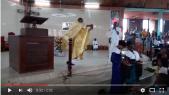 prêtre danseur