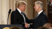 Trump et juge Neil Gorsuch à la Cour suprême