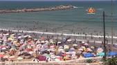 Cover Video -Le360.ma • آلاف من المصطافين يستمتعون بشاطئ الرباط