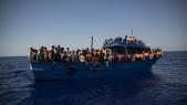 Bateau de migrants en mer Egée
