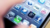 Ecran téléphone réseaux sociaux