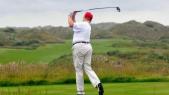 Donald Trump joue au golf